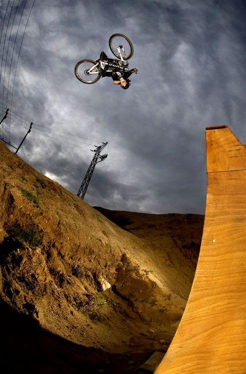 Andreu Lacondeguy flatspin 360
