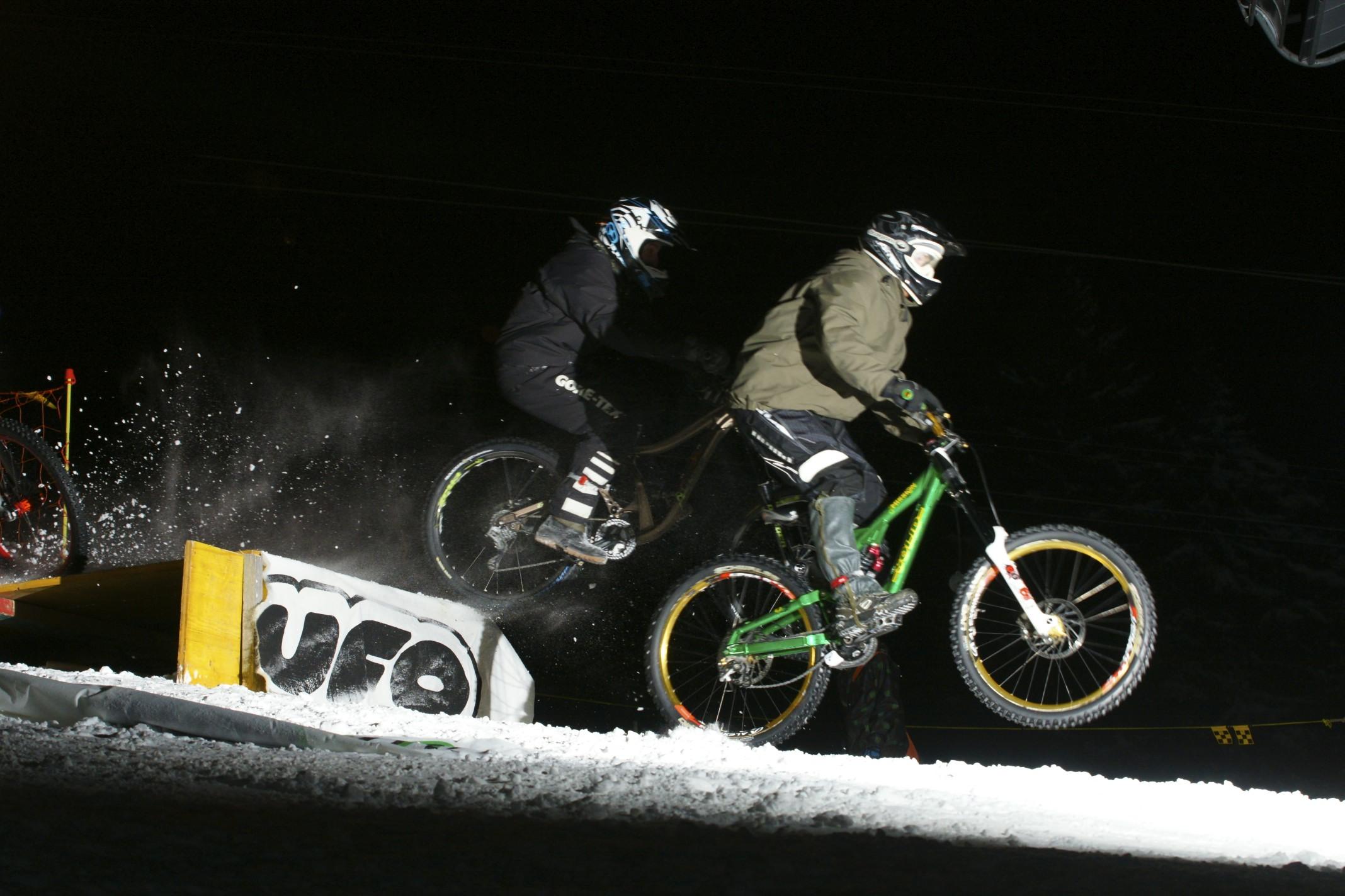Snow Bike Downhill Night Mörlialp - Auer Power