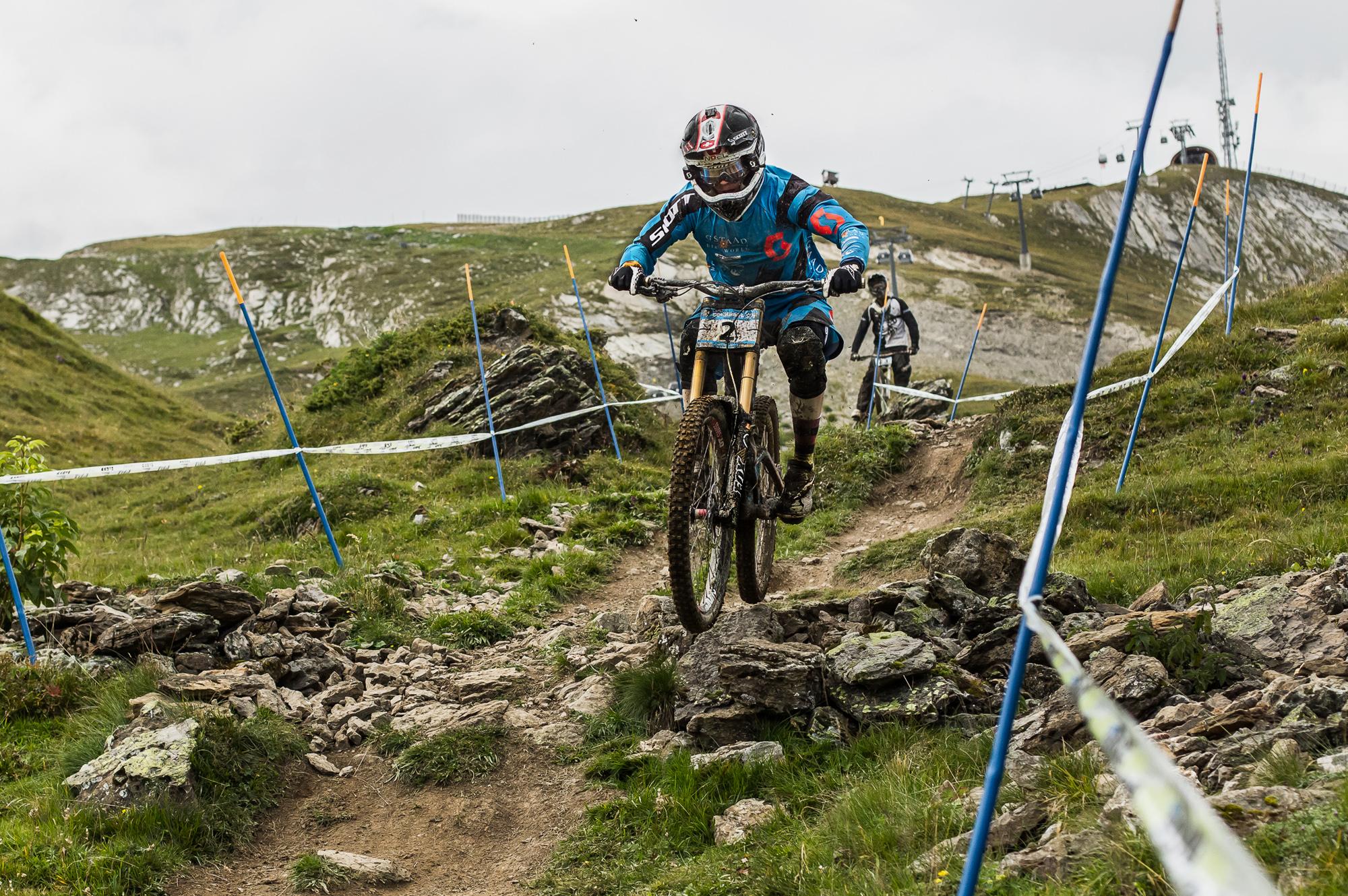 ixs downhill 2014